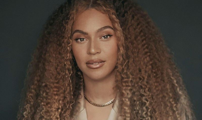 """Beyoncé, a """"Mãe Natal"""""""