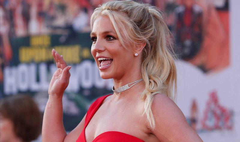 Pai de Britney Spears pede o fim da tutela da filha