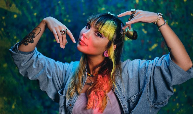 Cláudia Pascoal: a artista MTV...