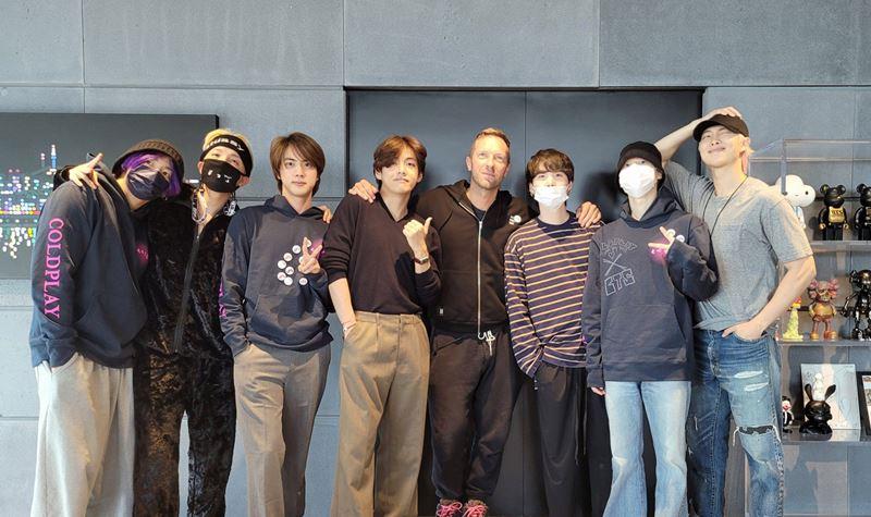 Coldplay e BTS: parceria vai (mesmo) acontecer!