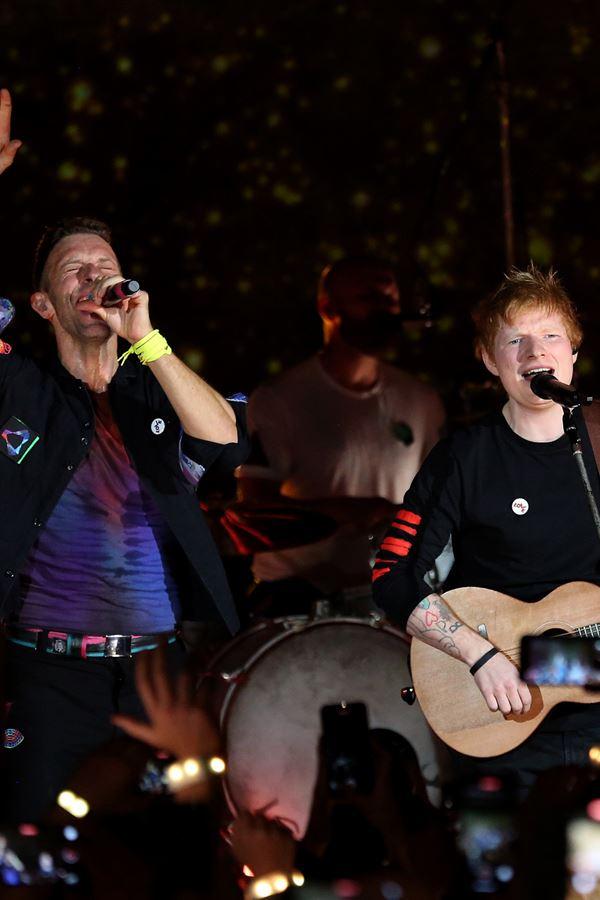 Coldplay e Ed Sheeran juntos, ao vivo e a cores!
