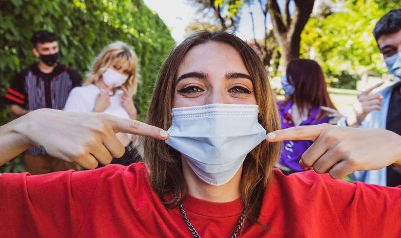Desconfinamento mas com máscara ainda obrigatória em alguns locais