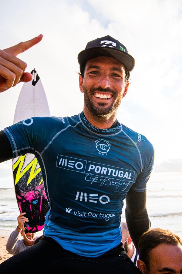 Frederico Morais é campeão nacional de surf