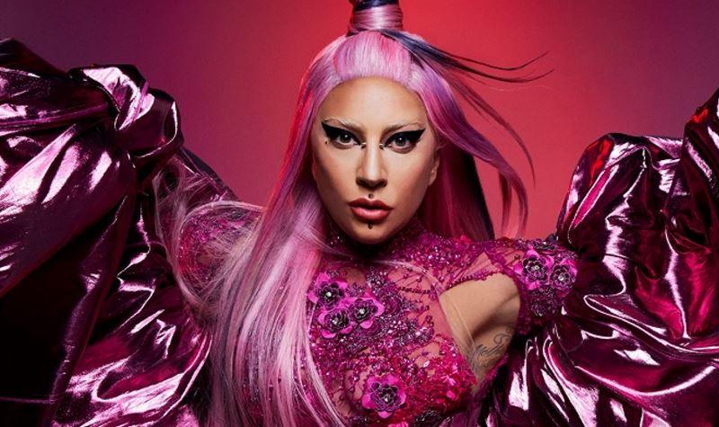 Gaga estreia programa de rádio