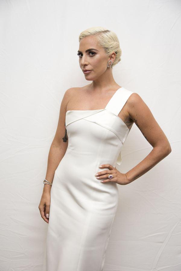 Lady Gaga é a celebridade mais bem vestida do ano
