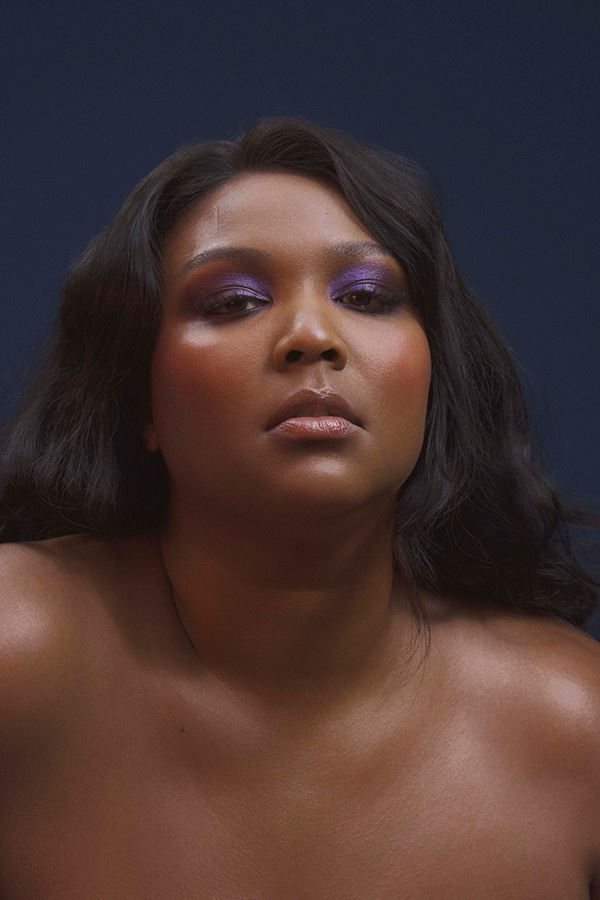 "Lizzo ""is looking for you!"""
