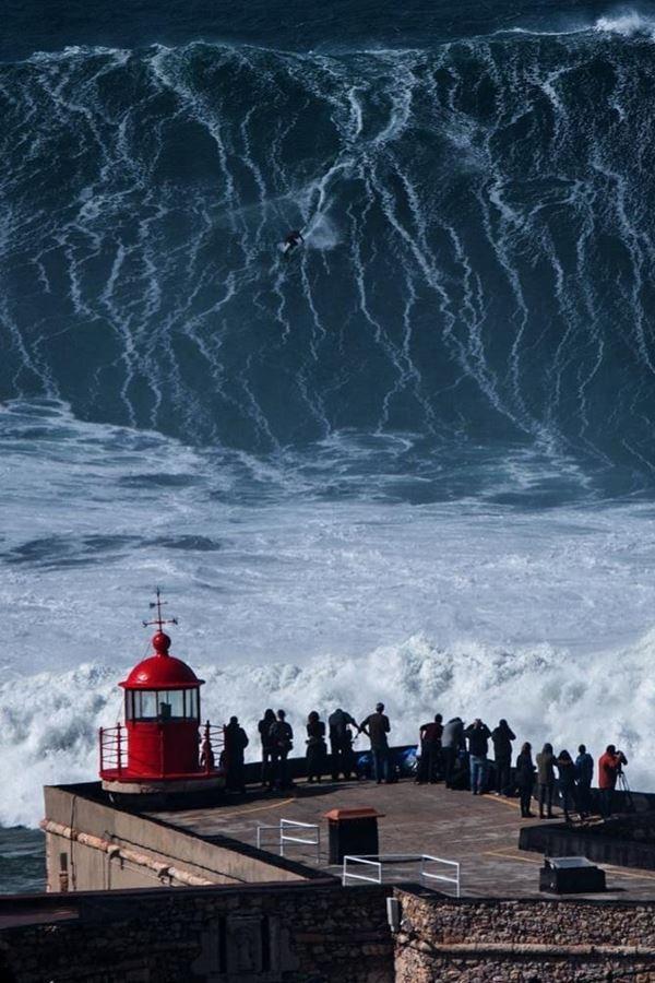 Série sobre as ondas da Nazaré estreia este mês