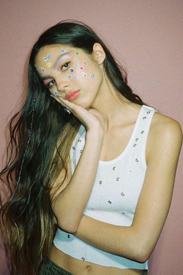 Olivia Rodrigo: 18 anos. 18 músicas.