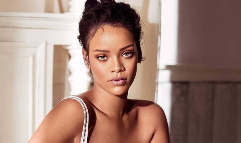 Truques de maquilhagem? Rihanna ensina-te.