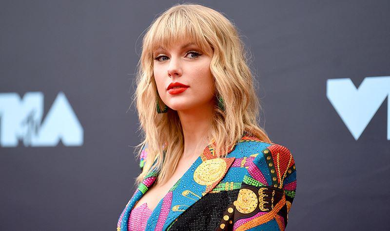 E a ajuda veio de... Taylor Swift!