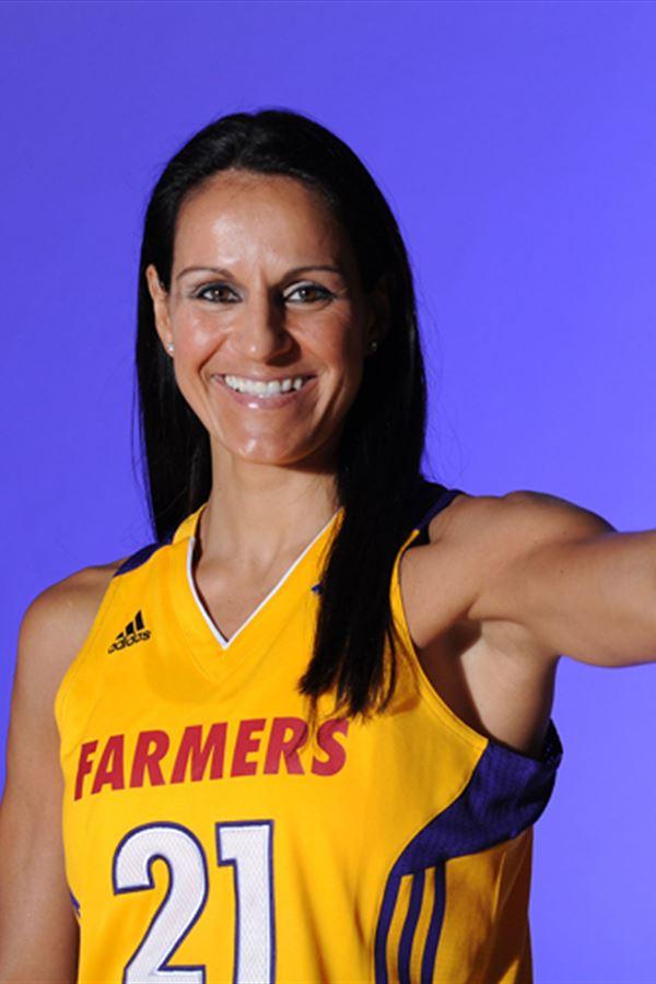 Ticha Penicheiro eleita uma das 25 melhores jogadoras da WNBA