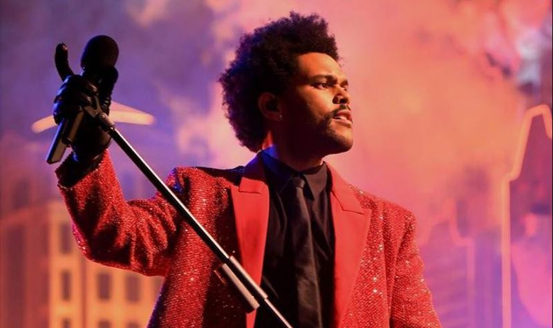 "The Weeknd ""arrasou"" no Super Bowl!"